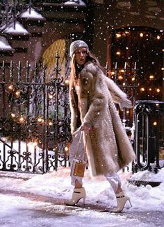 carrie bradshaw, in the snow, in the fur coat