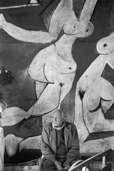 Picasso, France 1954 by Henri Cartier-Bresson Henri Cartier Bresson, Henri Matisse, Henri Rousseau, Magnum Photos, Pablo Picasso, Paul Gauguin, Picasso Paintings, Picasso Drawing, Oil Paintings