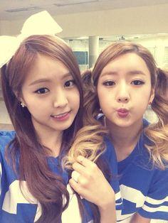 Bomi and Naeun apink twitter update