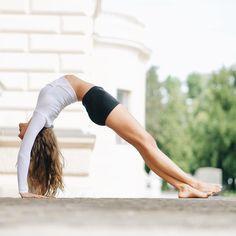 Best Yoga Poses for Balancing Hormones - efitfun Yoga Inspiration, Meditation, Yoga Posen, Yoga Pictures, Yoga Motivation, Yoga Positions, Cool Yoga Poses, Yoga Photography, Beautiful Yoga
