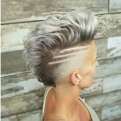 Top Mohawk Hairstyles For Fashion Lady 2020 Short Shaved Hairstyles, Undercut Hairstyles, Funky Hairstyles, Edgy Short Hair, Edgy Hair, Short Hair Cuts, Short Mohawk, Pixie Cuts, Shaved Hair Designs