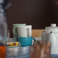 いつも淹れているコーヒー。皆さんはどんなポットで淹れて、どんなカップで飲んでいますか?そして豆は、どんな珈琲缶に保存していますか? 毎日使うコーヒーツールが自分のお気に入りのものだと、いつものコーヒータイムが数倍楽しくなるものです。今回はそんなコーヒー好きの皆さんにおすすめしたい、素敵なコーヒーポットやコーヒーツール 、コーヒーカップをご紹介していきます。