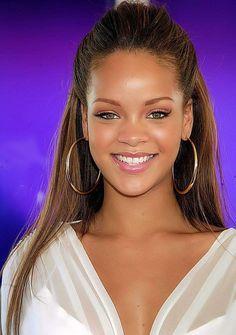 Funny Face Rihanna 18 Ideas For 2019 Rihanna Makeup, Rihanna Riri, Rihanna Style, Young Rihanna, Rihanna Photos, Bad Gal, Woman Crush, Beauty Hacks, Beauty Tips