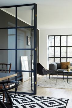 40 Chic Glass Partition Design Ideas For Your Living Room Room Inspiration, Interior Inspiration, Design Inspiration, Glass Partition Designs, Home Staging, Home Fashion, Interiores Design, Home And Living, Interior Architecture