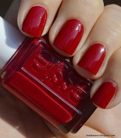 We wanted to narrow down the winning red lacquers from such a large selection. To do so, we collected and sieved through 153,344 online opinions about lacquers and our technology gave each product a score. Check out the Top 11 Reds, based on user feedback. There's a shade in there for everyone.