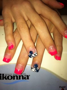 Nails with bow!