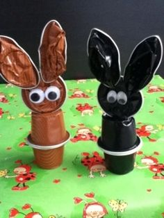 Conillets Pasqua - Easter bunny made from Nespresso capsules. K Cup Crafts, Arts And Crafts Projects, Projects For Kids, Diy And Crafts, Easter Crafts For Kids, Diy For Kids, Dosette Nespresso, Bottle Cap Crafts, Holiday Crafts