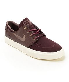 Treat your feet to a comfortable Nike Zoom Air insole with an air pocket for impact protection with a white vulcanized outsole for board feel. Nike Sb, Nike Zoom, Winter Fashion, Men's Fashion, Nike Swoosh Logo, Stylish Mens Fashion, Stefan Janoski, Hype Shoes, Skate Shoes