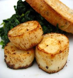 Pan seared hearts of palm.... seafood substitute.  Who would have thought.