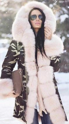 I'm not fond of Camouflage but I think this Military Camouflage Parka Coat with Fox Fur is sensational! It's fun, super warm and classy at the same time. Another one for my coat closet! Fur Collar Coat, Fox Fur Coat, Fur Collars, Winter Jackets Women, Coats For Women, Clothes For Women, Hooded Parka, Parka Coat, Military Camouflage
