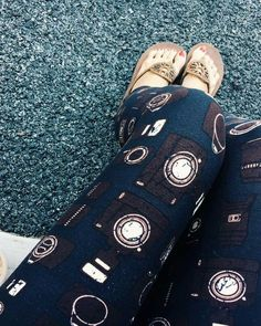 LuLaRoe Camera leggings!