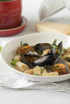 Soepje met mosselen, asperges, look en peterselie - Hap & Tap !