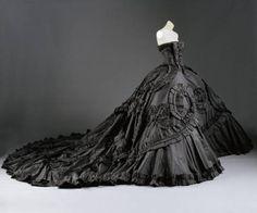 Vestido de noiva preto com espartilho
