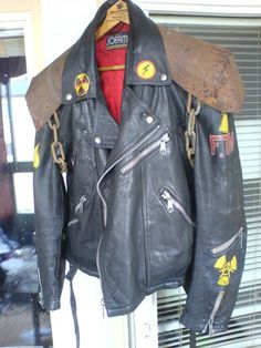 leather jacket / altered / handmade / post apocalyptic fashion / Mad Max / men's cosplay / LARP / rusty shoulder pauldrons