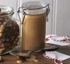 Caramel & whisky sauce via BBC Good Food. This thick and boozy toffee sauce can be put into jars and given as a gift, or serve a dollop with warming desserts. Whisky Sauce Recipe, Whiskey Sauce, Flan, Bbc Good Food Recipes, Cooking Recipes, Condensed Milk Recipes, Toffee Sauce, Sweet Sauce, Edible Gifts