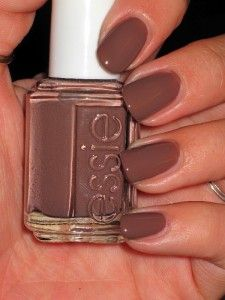 essie chinchilly fall color chinchilly lol my style. Black Bedroom Furniture Sets. Home Design Ideas