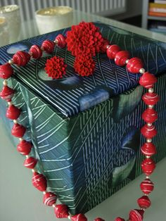 Paper bead beauty in red