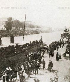 ROMA SPARITA - Crowd around the C.T. Granatiere on the Porto di Ripa Grande. May 1908.