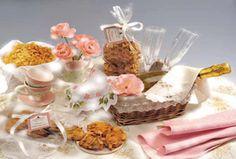 BISCOTTI ROSE E CHAMPAGNE Ideali per un dolce risveglio, una golosissima merenda o per un momento di festa.