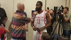 Craig Sager attended Rockets media day and shared a lovely moment with James Harden  By Alysha Tsuji @AlyshaTsuji on Sep 28, 2015,