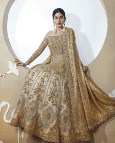Glitz and Glam ⭐ New Collection Whimsical Dream is A Blend of Traditional Hand Crafted Embellishments and Modern Cuts For The Perfect Bride ✨ Bridal Lehenga 2017, Pakistani Bridal, Pakistani Couture, Pakistani Outfits, Indian Outfits, Indian Clothes, India Fashion, Asian Fashion, Brown Fashion