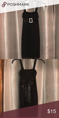 Girls Formal Black Mid-Length Dress- Size Small Simple elegance! Perfect for any formal or semi-formal occasion! Girls Size Small but runs just a little big. Would be perfect with the black lace blazer also listed in my closet. Dresses Formal