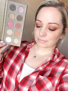 ZOEVA Cocoa Blend Eyeshadow Palette - get the look! Zoeva Eyeshadow Palette, Blending Eyeshadow, Zoeva Cocoa Blend, Subscription Boxes, Monthly Subscription, Huda Beauty Lip, Satin Lipstick, Silk Lashes, Beauty Box Subscriptions