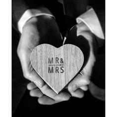 #grundyphotography #ringbox #wedding #weddingphotography  ©
