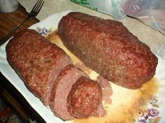 I wanted to make a bologna recipe that I know what was in it this recipe is easier than I thought. It taste wonderful Venison Bologna Recipe, Deer Bologna Recipe, Smoked Bologna Recipe, Bologna Recipes, Recipes With Deer Bologna, Homemade Summer Sausage, Homemade Sausage Recipes, Meat Recipes, Cooking Recipes