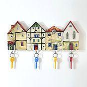 Shop Sunduk-flo (Sunduk-flo): entrance hall, souvenir magnets, figurines, pencil holders, still life