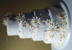 Edible Cake Decorations – Benefits Of Creating Your Favorite Edible . Daisy Wedding Cakes, Wedding Cake Images, Daisy Cakes, Wedding Cake Red, Wedding Cakes With Flowers, Wedding Cake Designs, Cake Flowers, Wedding Ideas, Edible Cake Decorations