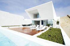 House Playa El Golf H4 / RRMR Arquitectos {this space is beautiful!}
