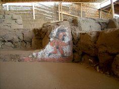 Reseñas de lo que fue la huacadel Sol y de la Luna correspondientes a los centros religiosos de los Mochica.