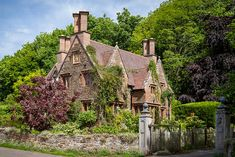 Cottage near Cheddon Fitzpaine (Somerset, England) by Bob Radlinski Beautiful Buildings, Beautiful Homes, Manor House Hotel, Walk Around The World, English House, English Cottages, English Village, Country Cottages, Country Houses