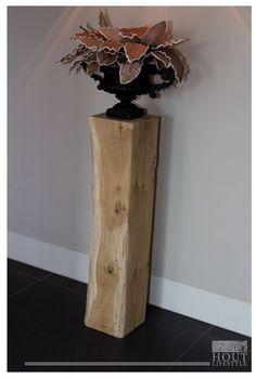 Deze prachtige eikenhouten zuil is ideaal te gebruiken als decoratie zuil✨ Op deze zuil kun je een mooi beeld of een vaas met bloemen plaatsen💐 Vase, Wood Ideas, Lifestyle, Home Decor, Tv, Decoration Home, Room Decor, Television Set, Vases