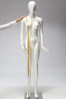 Hauteur épaule/sol;  Mesure très importante qui déterminera la longueur de la robe. Marie, Statue, Couture, Dress, Haute Couture, Sculptures, Sculpture