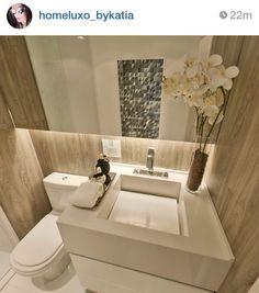 Banheiro pequeno + utilização do espaço + espelho e iluminação