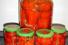 Ardei umpluti cu varza Canning Pickles, Pickels, Jacque Pepin, French Patisserie, Romanian Food, Russian Recipes, Canning Recipes, Celery, Watermelon