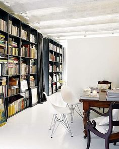My ideal home is your daily source of interior design, architecture, home ideas and interior inspirations. Library Bookshelves, Bookcases, My Ideal Home, Home Libraries, Interior Inspiration, Decoration, Living Spaces, Sweet Home, House Design