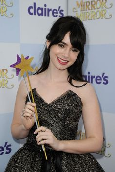 I deffinatly want her bangs, they are perfect! <3