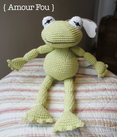 Rana Amigurumi - Patrón Gratis en Español aquí: http://blog-amourfou-crochet.blogspot.com.ar/2014/08/patron-gratis-una-rana-para-inaki-free.html