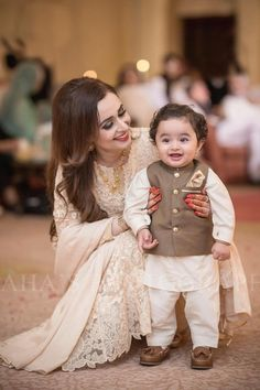 Cuteness Overload 8 Candid Shots of Kids at Weddings Mom And Son Outfits, Mom And Baby Dresses, Baby Boy Dress, Wedding Dresses For Girls, Dresses Kids Girl, Baby Boy Outfits, Kids Outfits, Baby Boy Suit, Baby Skirt