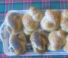 Recipe Houstičky by eliska, learn to make this recipe easily in your kitchen machine and discover other Thermomix recipes in Chléb a rohlíky. Kitchen Machine, Food Dishes, Hamburger, Bread, Recipes, Thermomix, Breads, Baking