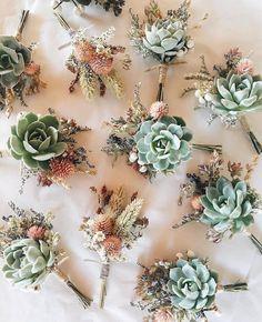 des boutonnières boho chic avec des succulentes