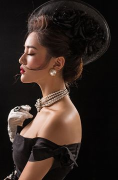 Life is magic. Life is full of surprises. Female Pleasure, Pearl Shoes, Classic Suit, Glamour, Classy Women, Black And White Photography, Beauty Women, Feminine, Style Inspiration