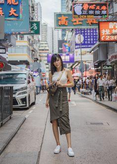 Jenny Tsang of Tsangtastic wearing Louis Vuitton bumbag styling belt bag in Hong Kong Hong Kong Fashion, Japan Fashion, Women's Summer Fashion, Hongkong Outfit Travel, Taipei Travel, Travel City, Japan Travel, Womens Fashion Online, Latest Fashion For Women
