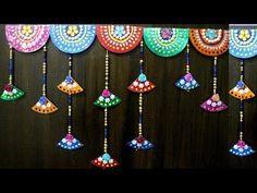 How to make door hanging - Simple Craft Ideas - Kocoko - Dekoration Old Door Decor, Door Hanging Decorations, Diwali Decorations At Home, Old Cd Crafts, Newspaper Crafts, Easy Crafts, Diwali Diy, Diwali Craft, Old Wooden Doors