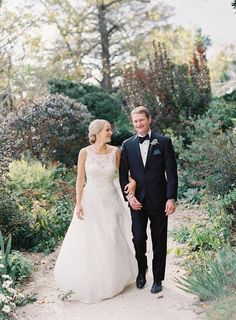Wedding Dress: Peter Langner - http://www.peterlangner.it Photography: Vicki Grafton Photography - vickigraftonphotography.com   Read More on SMP: http://www.stylemepretty.com/2016/08/03/this-brides-grandma-best-officiant-ever/