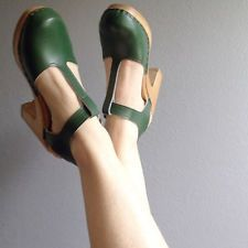SVEN CLOGS - T-strap Clogs Black Size 7
