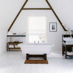 White Bathoom Roll Top Bath